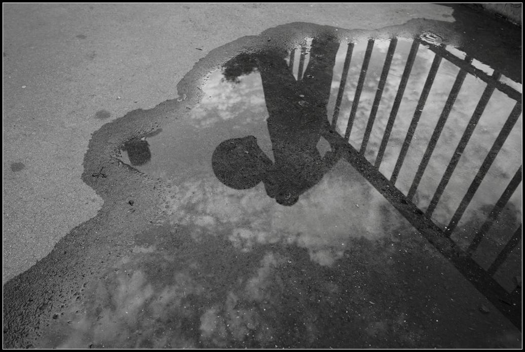 大俗大雅作品:轻轻踏过脚下的浮云