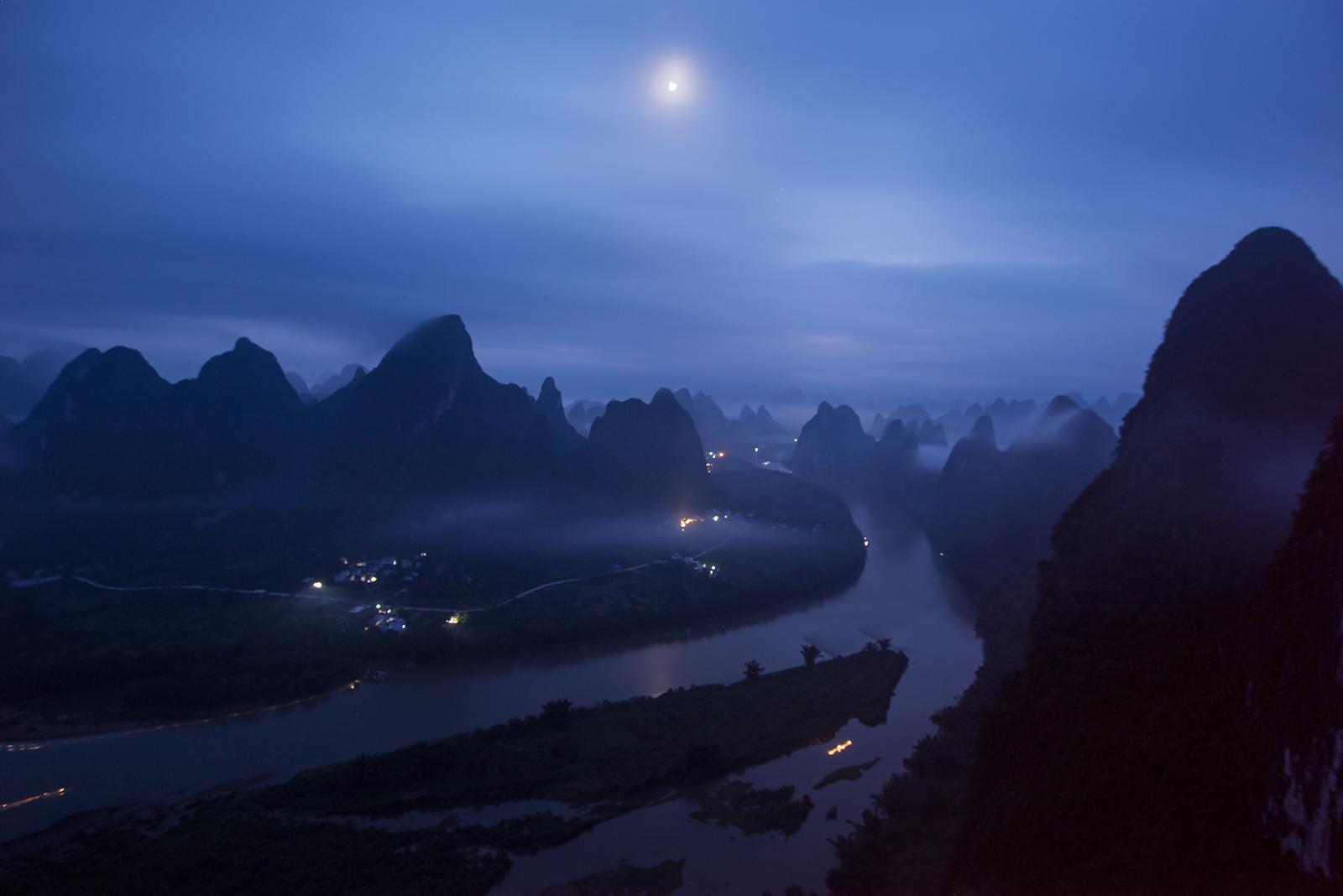 如风0758作品:《迷离的漓江》