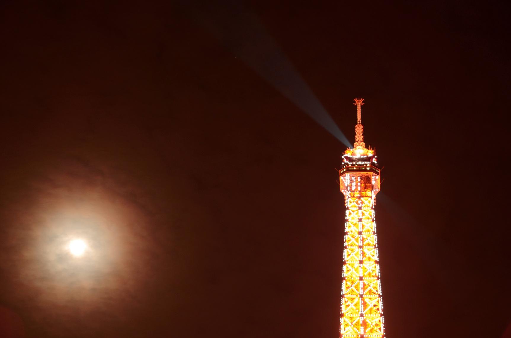 蓝桥摄影作品:珍珠塔