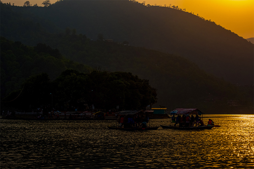 hf老虎鱼作品:夕阳下的金色费瓦湖
