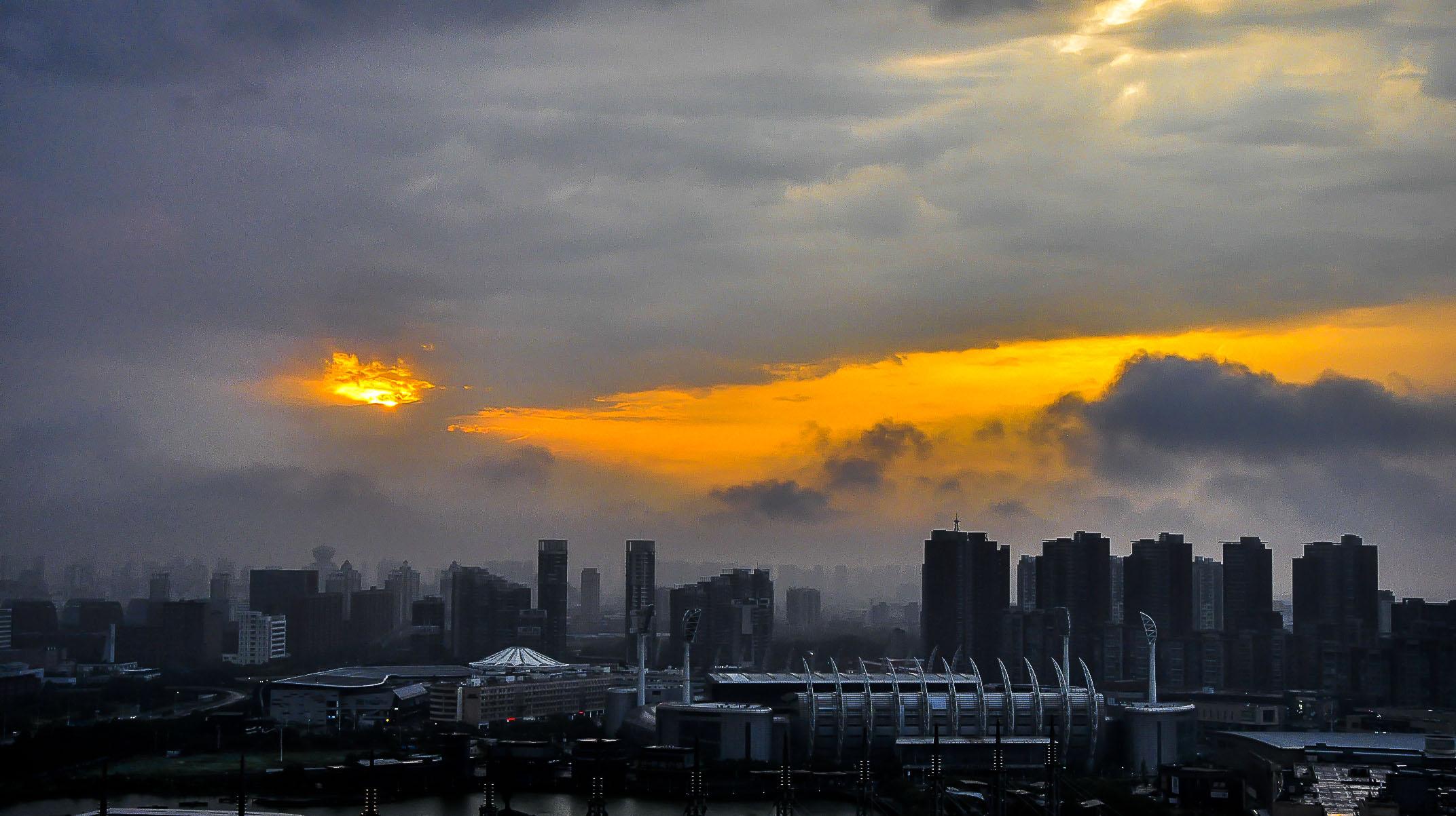 ¤神秘3¤作品:黑云压城,城欲摧。