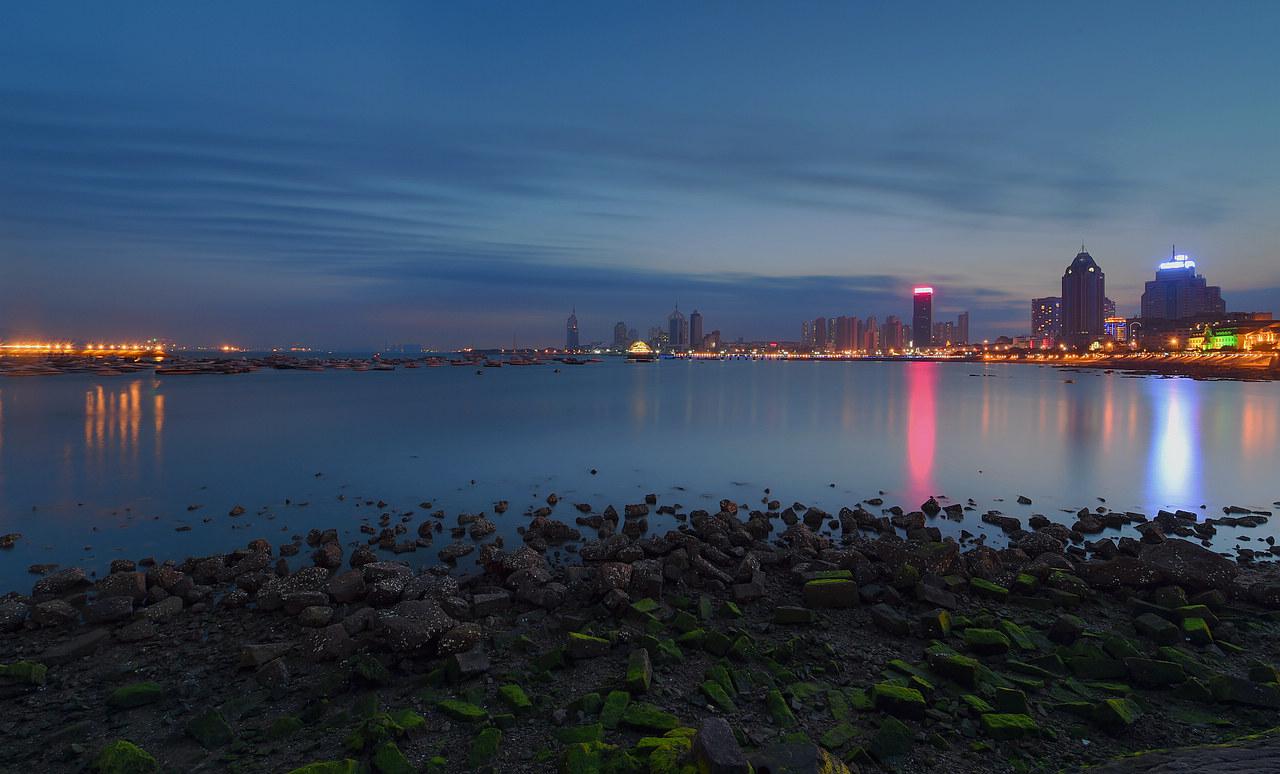 青岛老李作品:青岛的海湾夜色