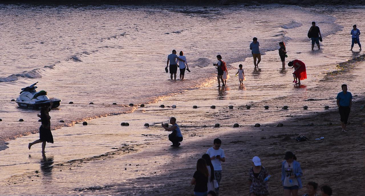 青岛老李作品:青岛傍晚的海边