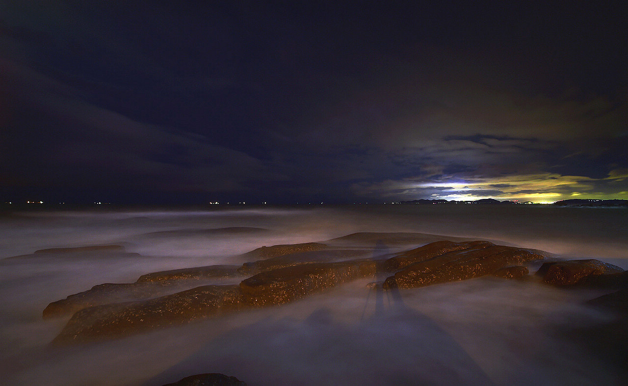 青岛老李作品:青岛十月的夜色