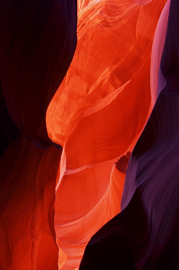 MARY88作品:峡谷中的瀑布