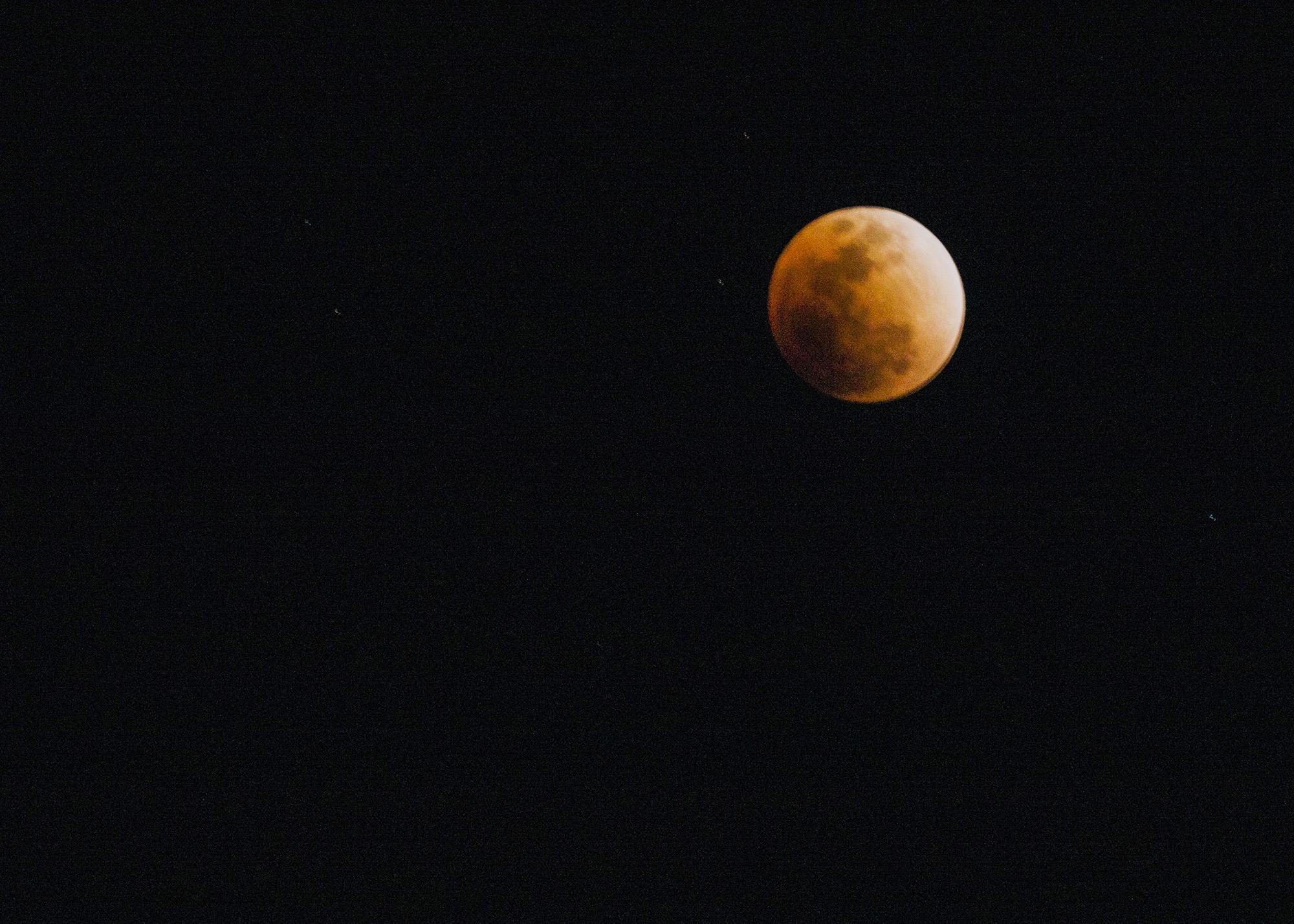 """林泉一叟作品:今晚的""""蓝血月全食"""""""