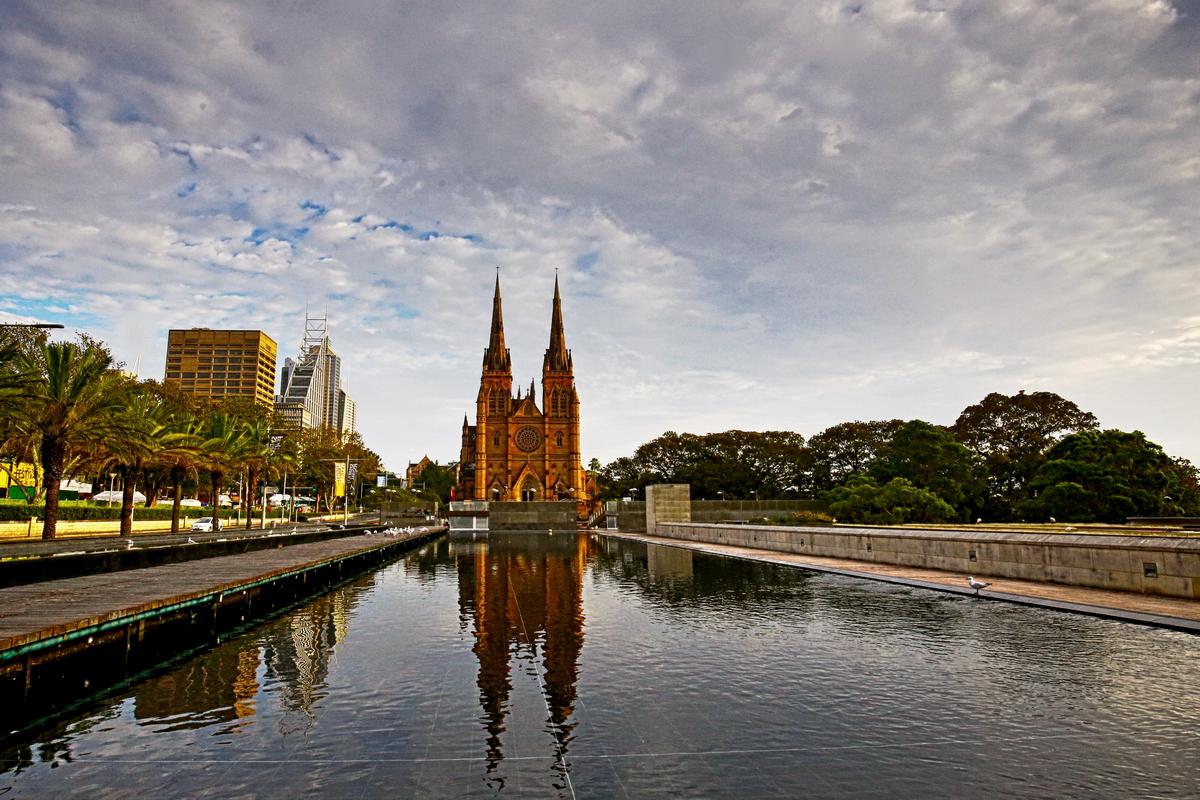 黄赛作品:再走悉尼---教堂