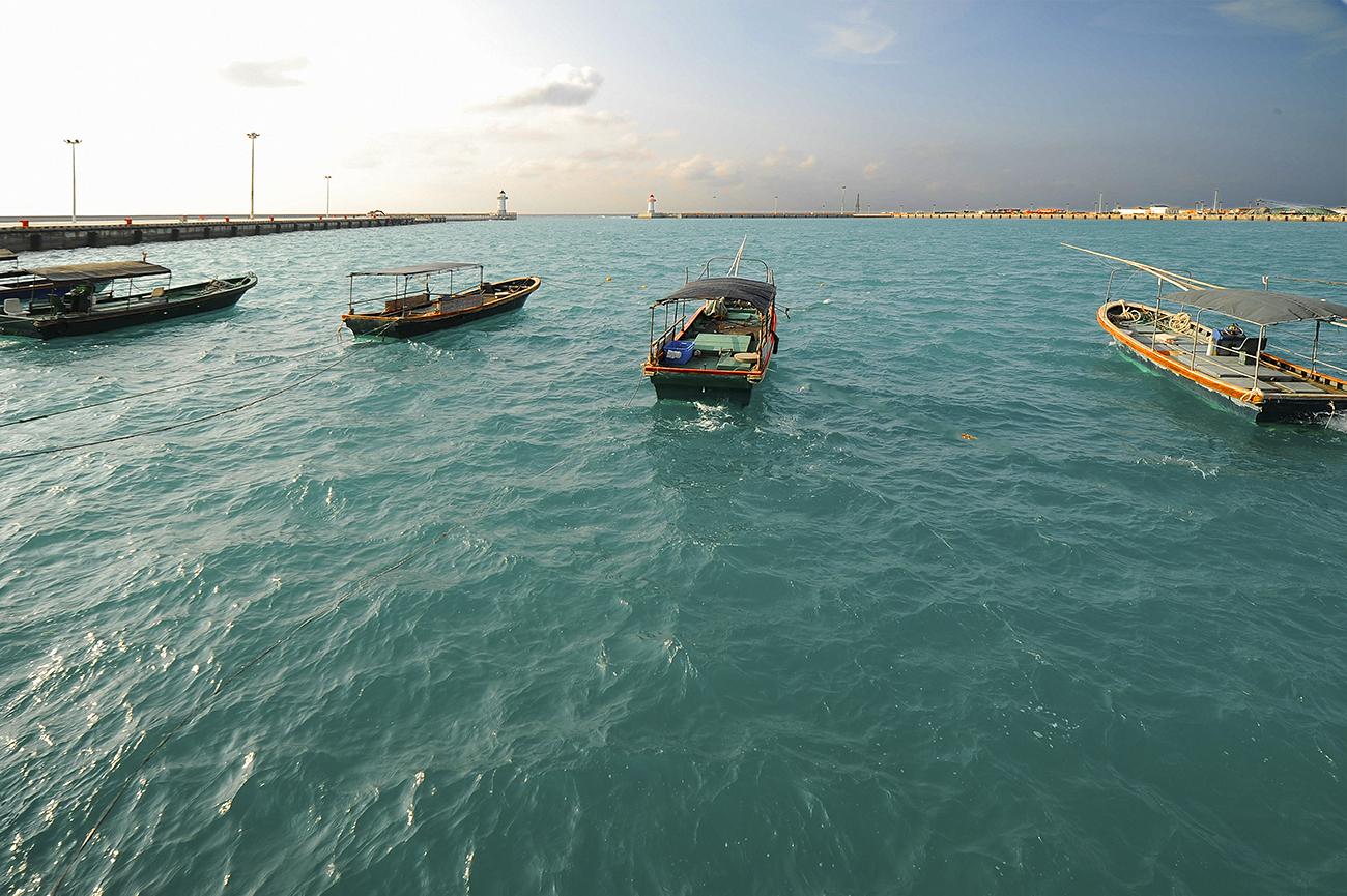 奥巴牛作品:休息的渔船