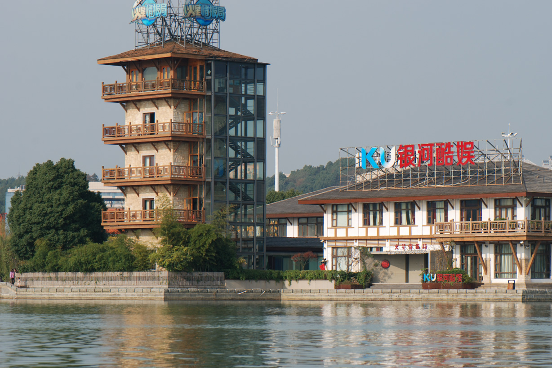 hmeicheng作品:ccd建筑