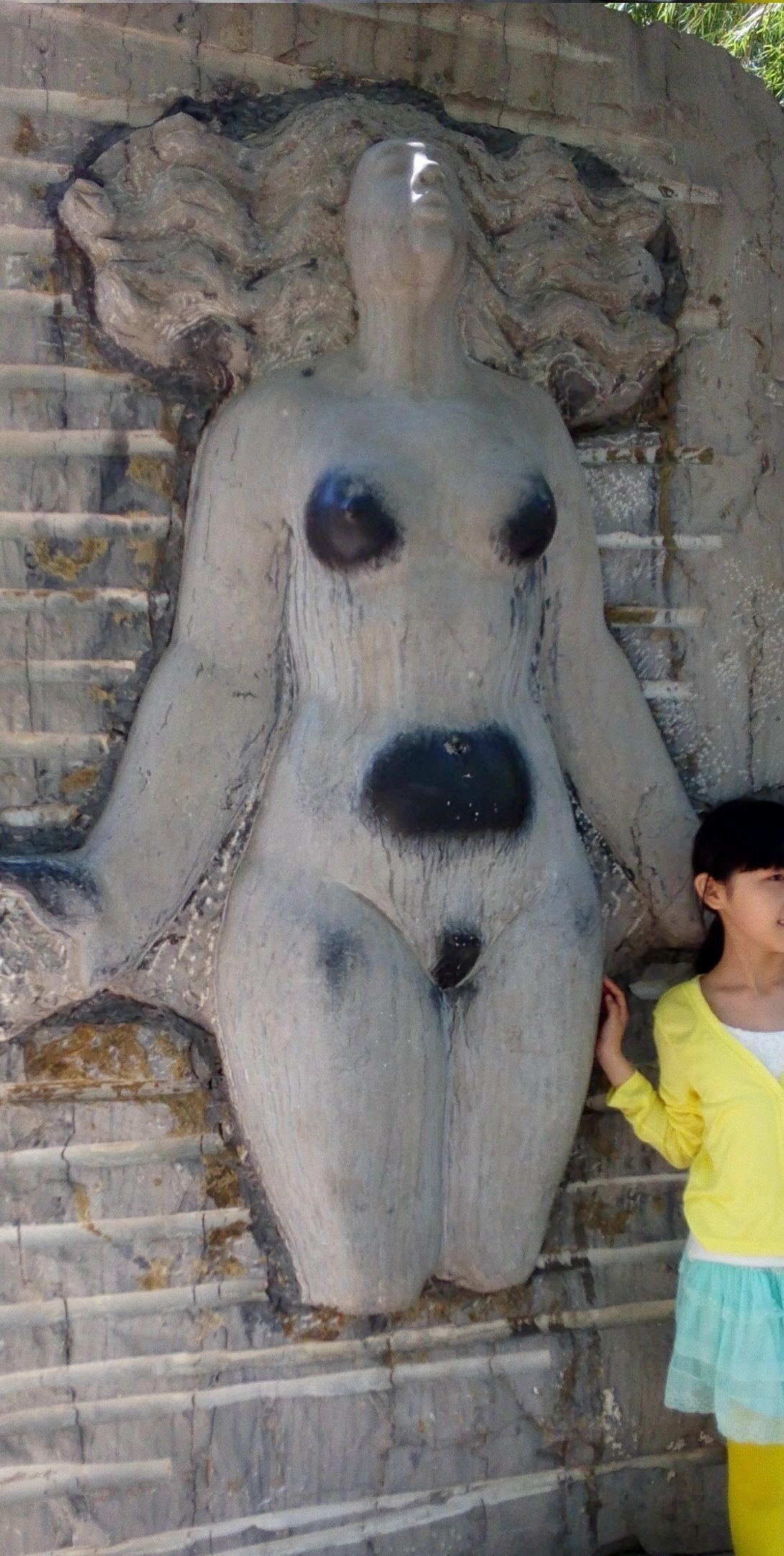 欧阳川作品:人气最旺的雕塑