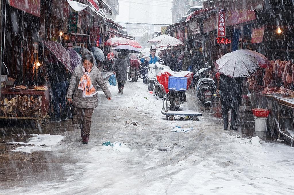 华野四纵作品:寒雪热市