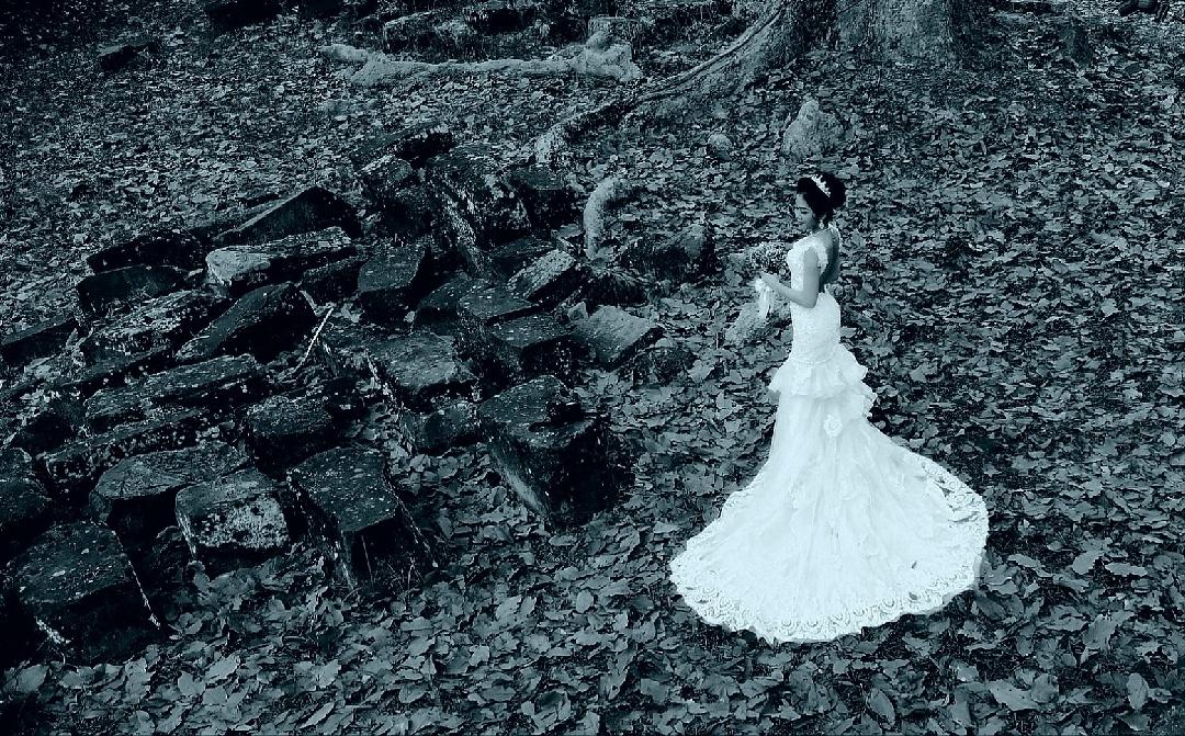 欧阳川作品:手机婚纱照
