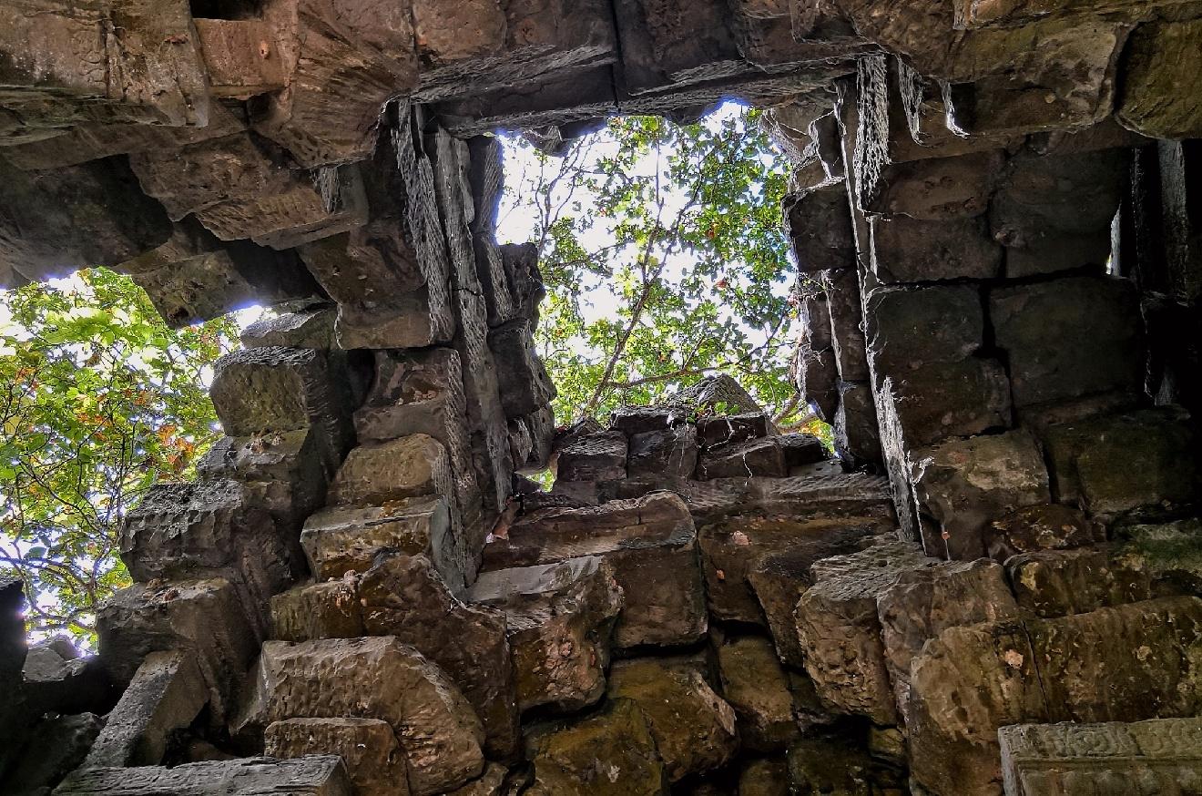 欧阳川作品:岁月的天窗