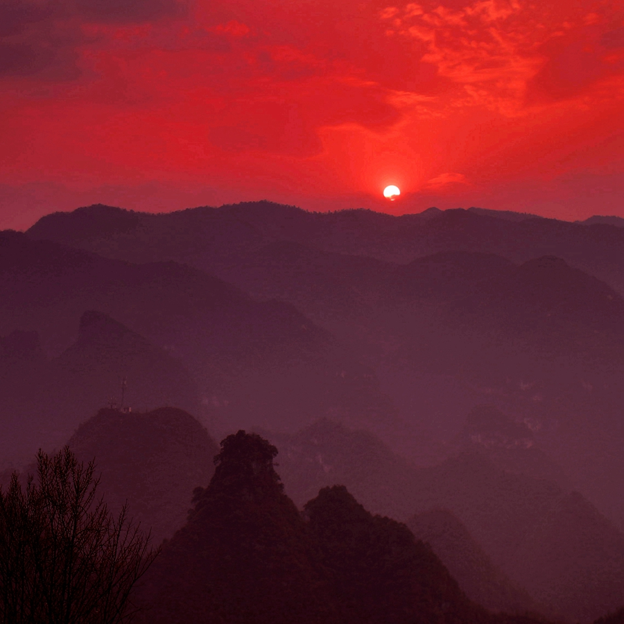 驼腰作品:苍山残阳