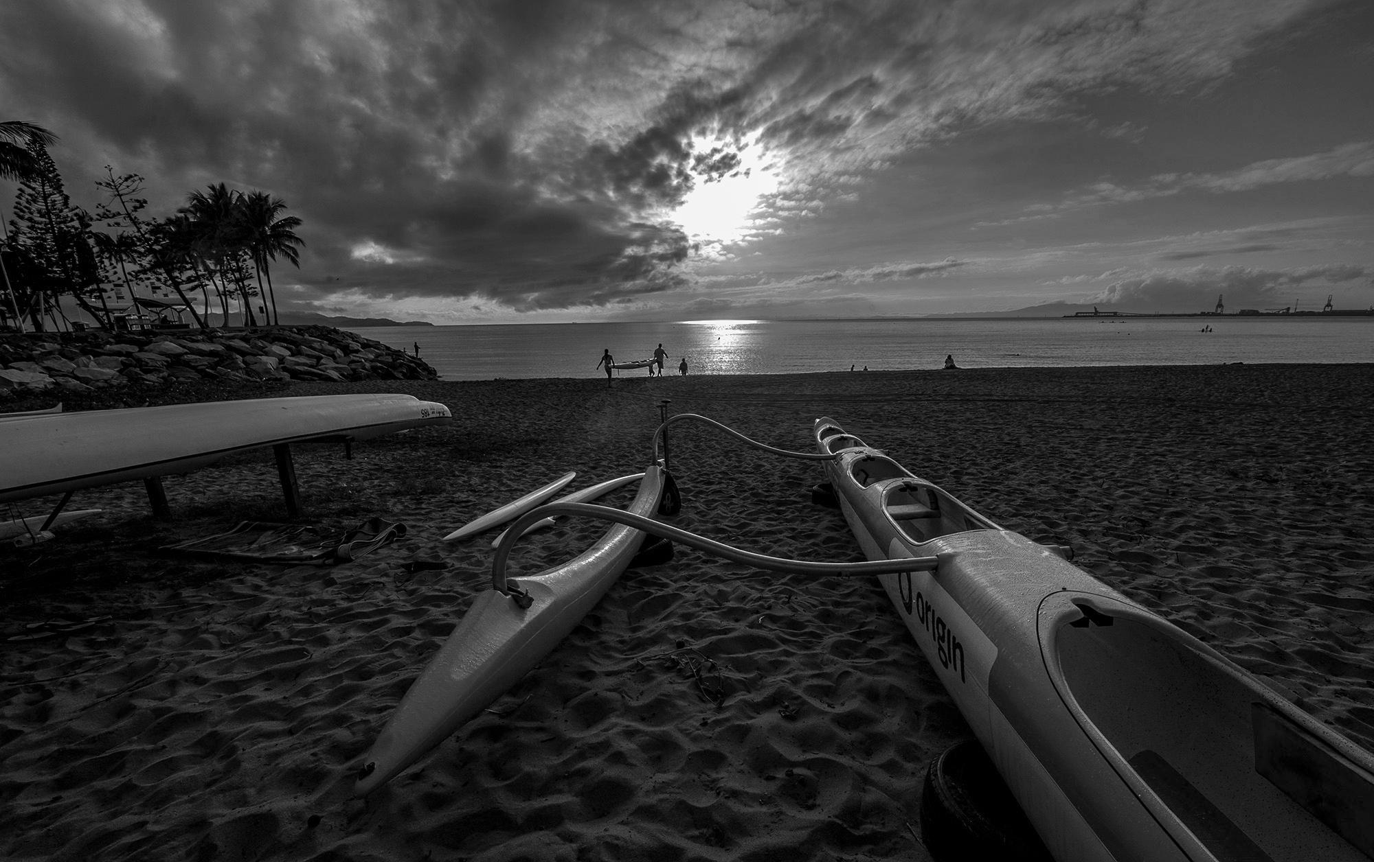 阿番作品:清晨  皮划艇