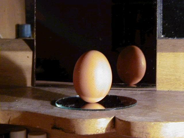 xyg作品:立鸡蛋