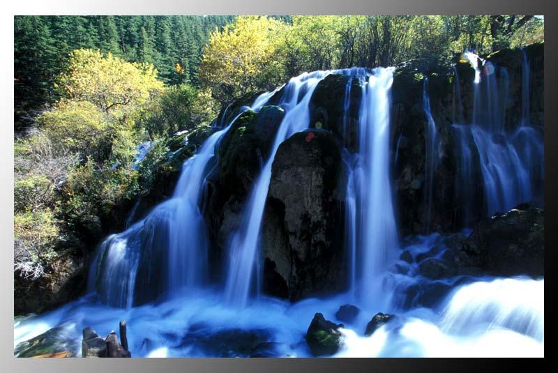 花生作品:九寨的秋天-树正瀑布