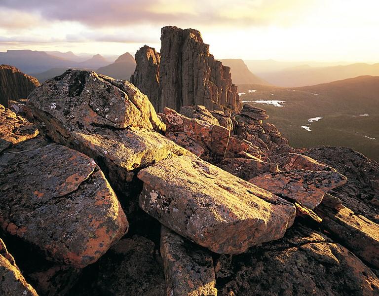 MM7作品:夕阳下的岩石