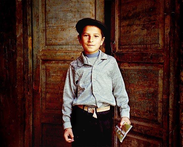大卫独夫作品:喀什的男孩