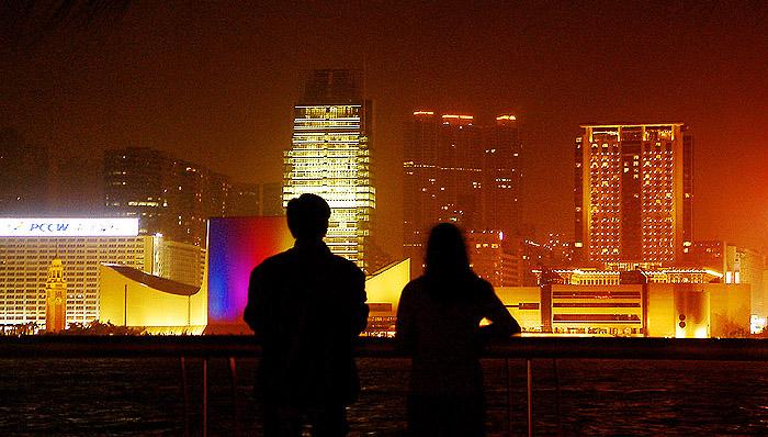 城市乡巴佬作品:香江夜