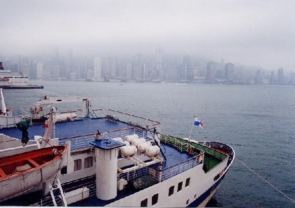 M8作品:雾罩港岛