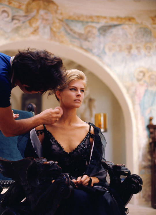 STYLING THE STARS, Candice Bergen